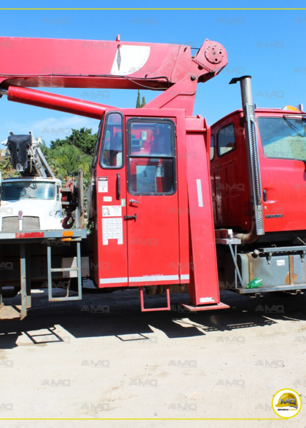 GRUA TITAN STERLING – NATIONAL 25 TONS 2001 (13)